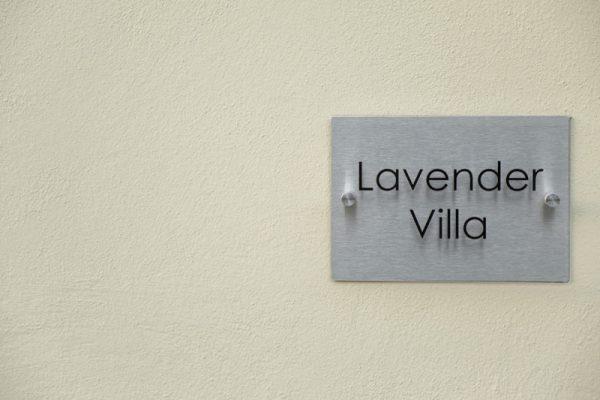 Villa Lavender label