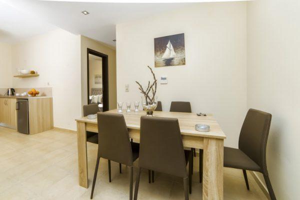 Villa Mint dining table