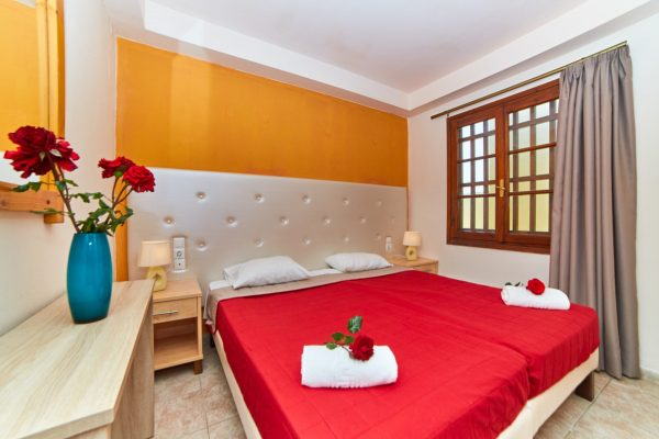 One Bedroom Triple Apartment Bed