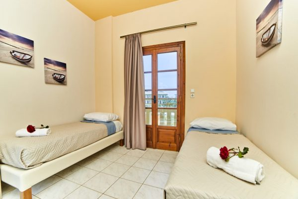 One Bedroom Quadruple Apartment living area