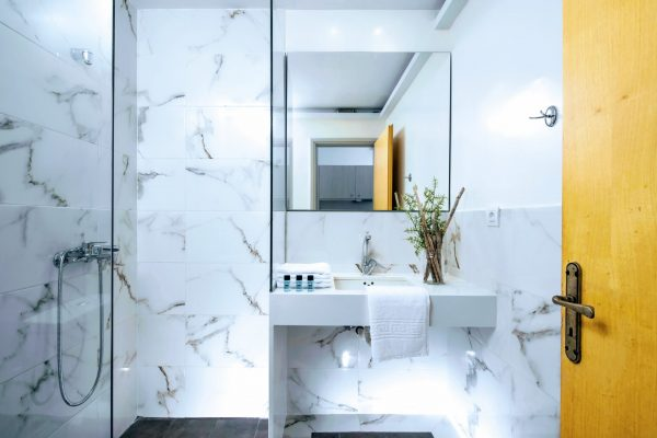 Bathroom Superior and Deluxe 2