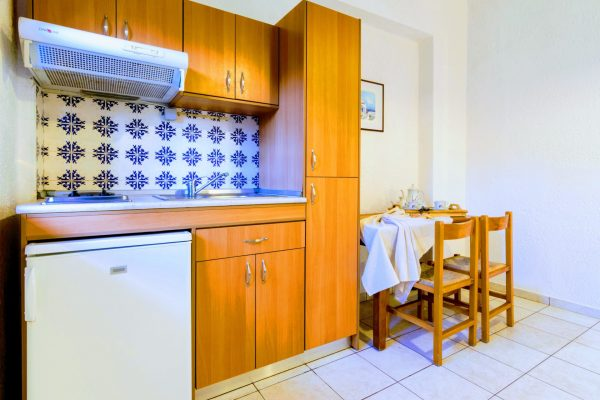 One Bedroom Triple Apartment kitchenette