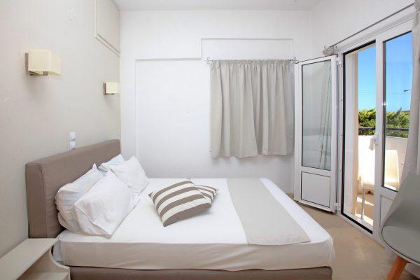Superior Triple One Bedroom Apartment bedroom area