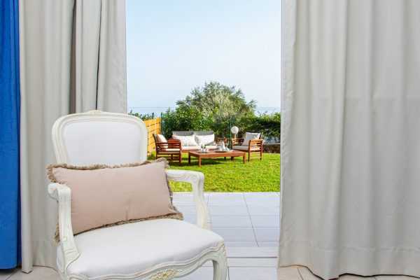 Luxury One Bedroom Apartments with Sea View bedroom and terrace