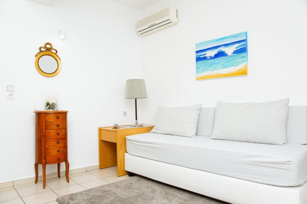 Family Two Bedroom Apartments with Sea View or Garden View single bed