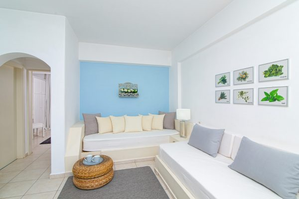 Luxury One Bedroom Apartments with Sea View living room area