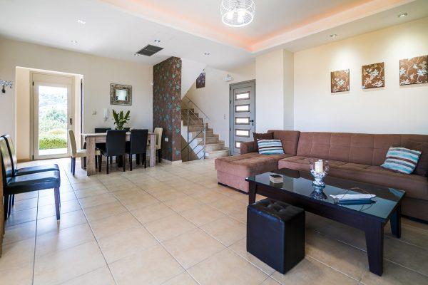 Villa Lavender living room