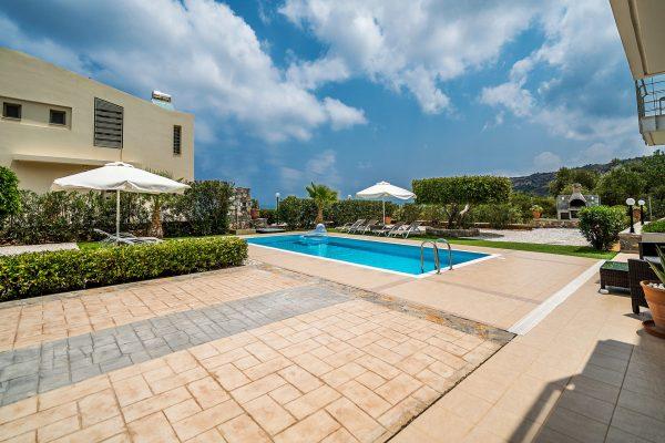 Villa Mint private swimming pool
