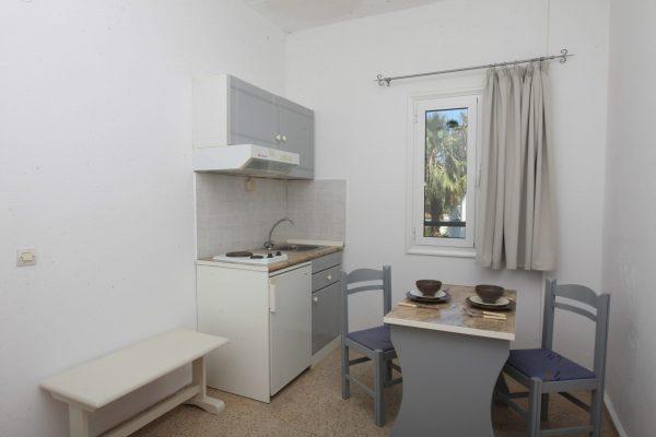 Family One Bedroom Quadruple Apartment kitchenette area
