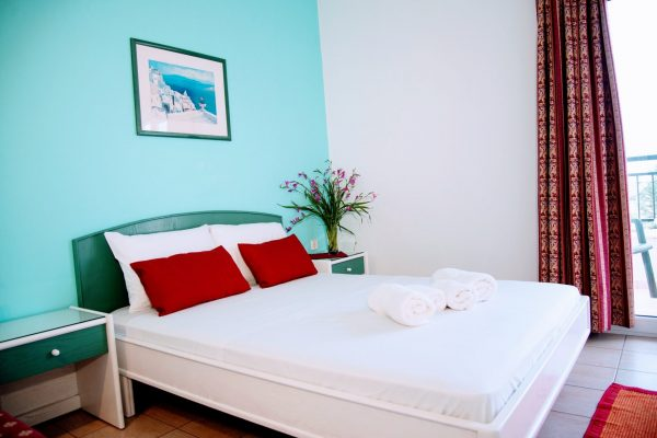 Superior One Bedroom Quadruple Apartment double bed