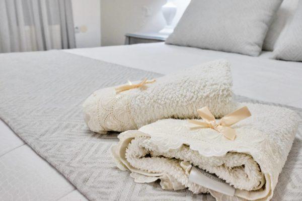 Junior Triple Suite bed detail