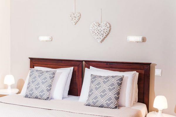 Standard Twin/Double Studio double bed