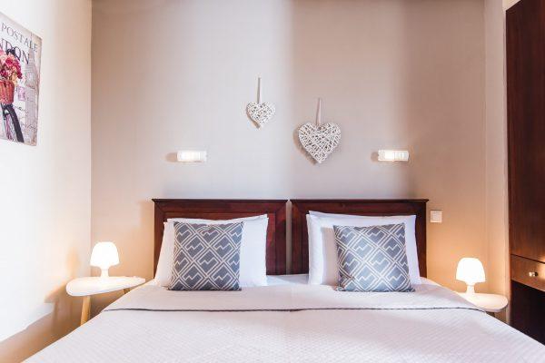 Standard Twin/Double Studio bed