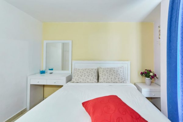Standard Studio with Sea View double bed
