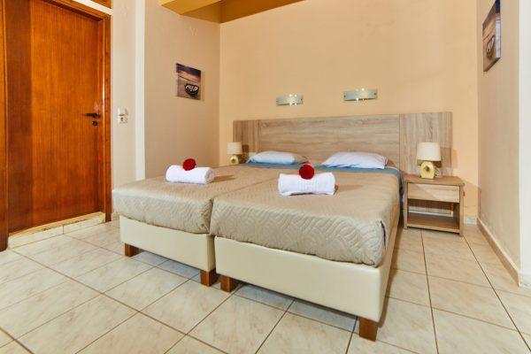 Superior Triple Studio single beds
