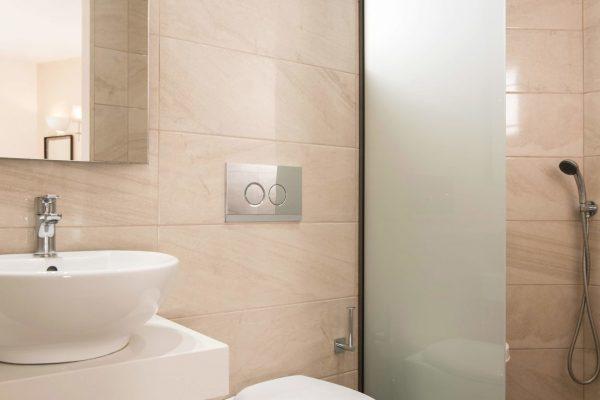 Superior Double Studio bathroom