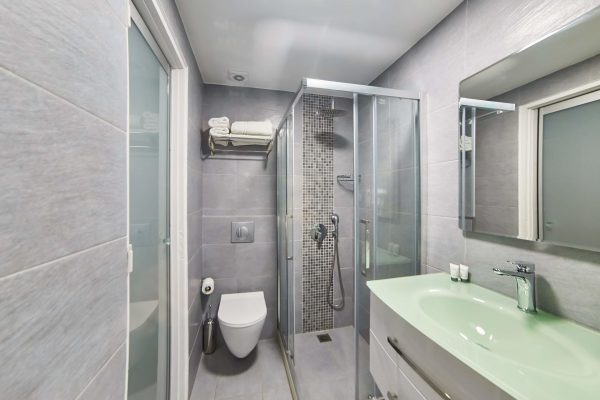 Superior Double Studios with Sea View bathroom
