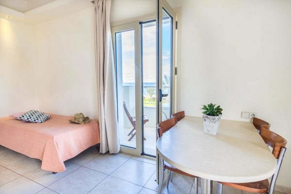Superior One Bedroom Apartment with Sea View bedroom