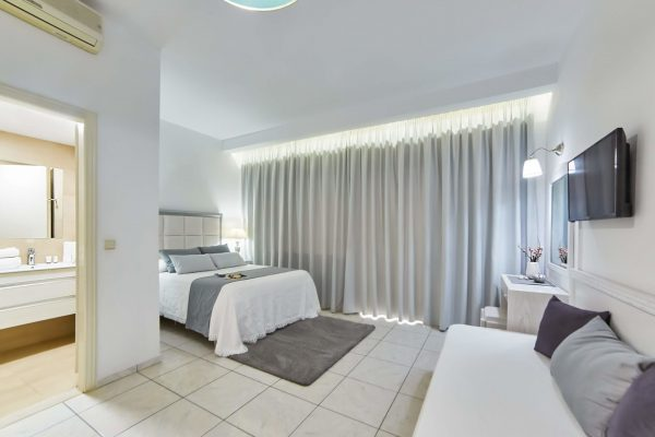 Superior Triple Studios with Sea View or Garden View entire room
